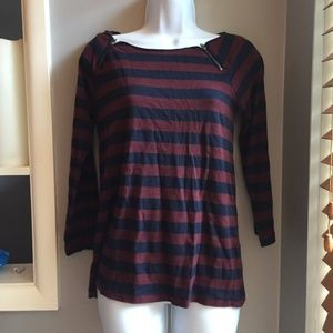 J. CREW RED AND BLUE STRIPED TOP SIZE SMALL!!